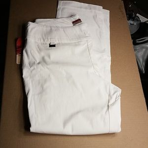 White pantalon pants